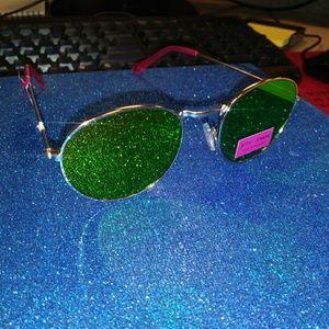 Betsey Johnson Accessories - Betsey Johnson Aviator sunglasses